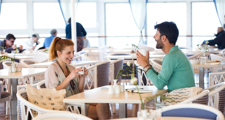 Lidé v restauraci