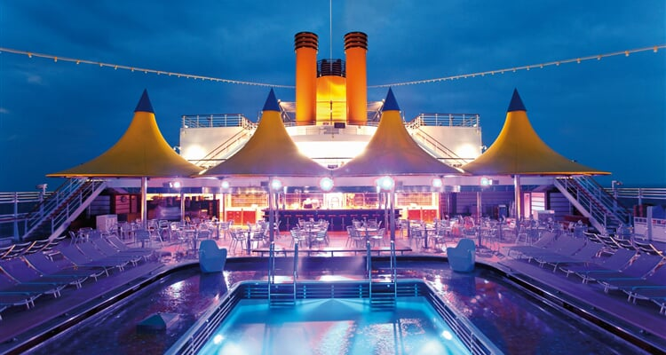 Costa Cruises, horní paluba