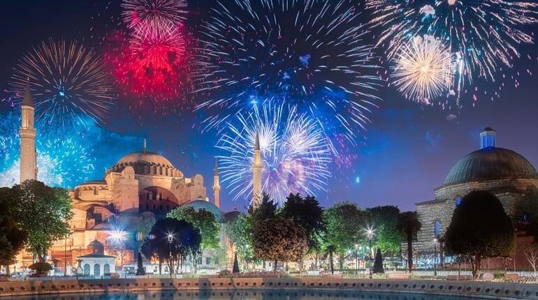 Foto - To nejlepší z Istanbulu + SILVESTR (letecky z Prahy)