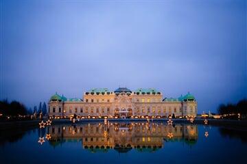 Vídeň noční Belvedere