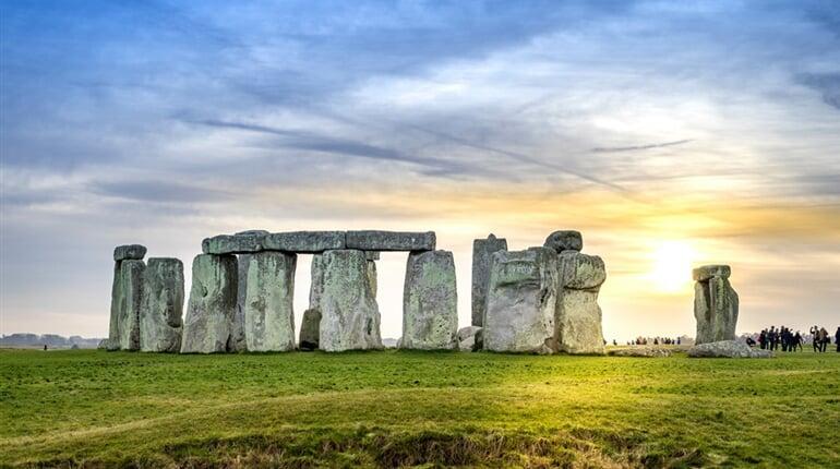 Stonehenge_242803146